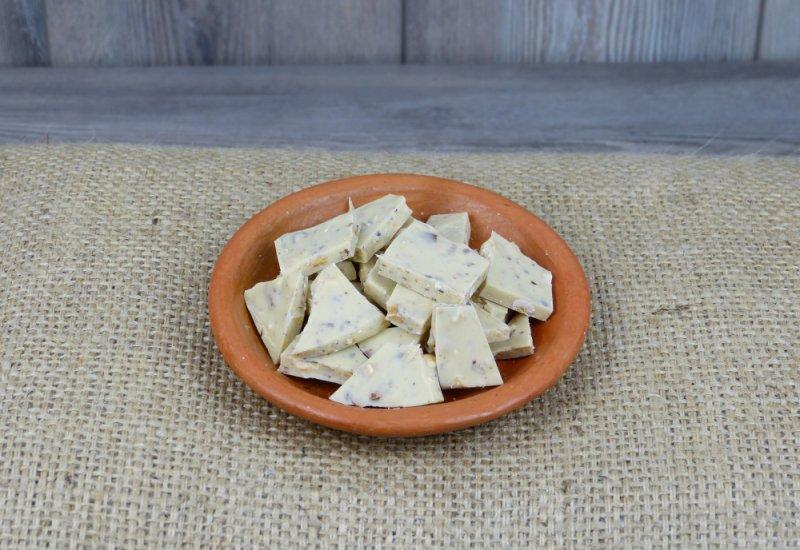 Chocolat blanc amandes noisettes